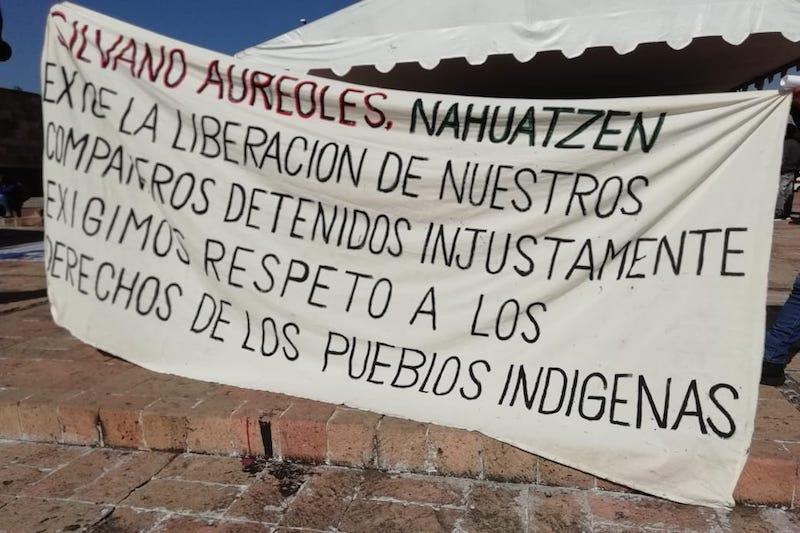 Los manifestantes exigen respeto a la autodeterminación de los pueblos indígenas y la libertad de sus compañeros detenidos