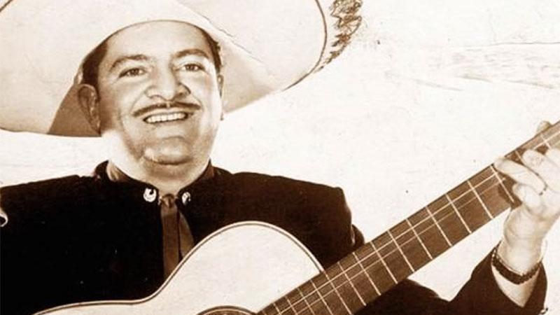 Hoy, sus devotos lo recordarán ante su estatua que se yergue en el reducto del mariachi, la Plaza Garibaldi en la Ciudad de México, pero también lo harán en la casa que lo vio nacer en Dolores Hidalgo
