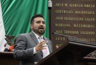 Con esta propuesta lo que se busca -recalcó- Erik Juárez es contribuir de manera directa también a que la impartición de justicia sea pronta y expedita