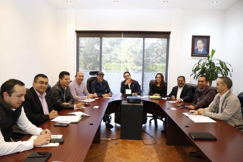 El titular del Ejecutivo Estatal detalló a legisladores federales por Michoacán la situación económica de la entidad y los ajustes que su administración ha realizado para sanear las finanzas públicas