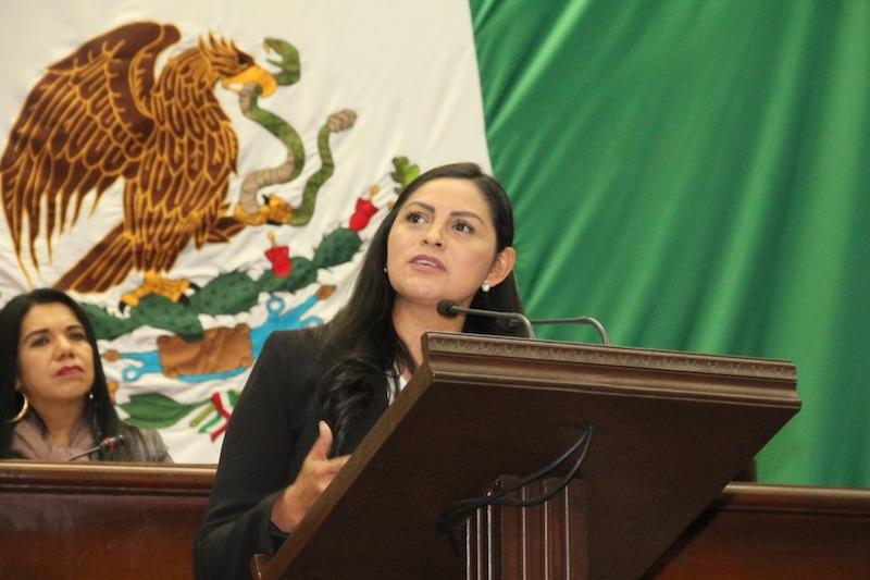 Araceli Saucedo mencionó que es necesario un nuevo esquema de coordinación y una nueva relación entre el estado y federación