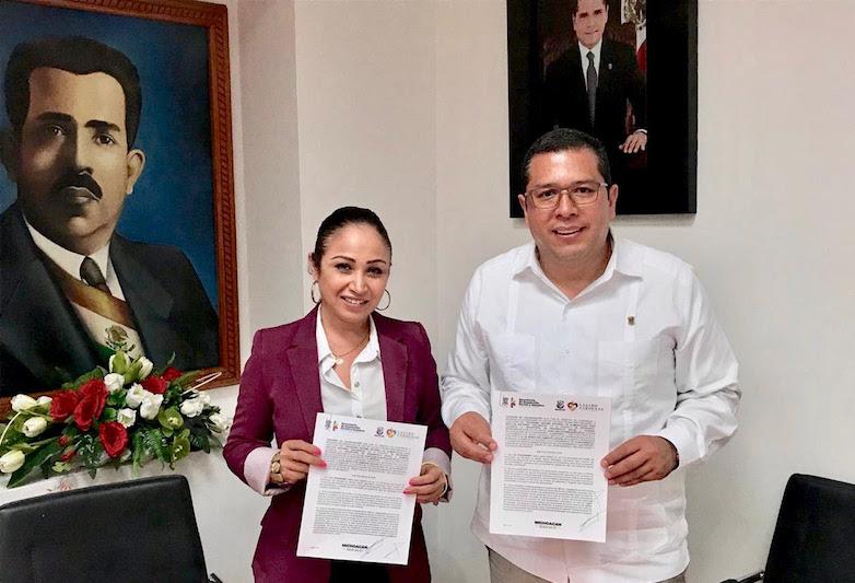 En gira de trabajo, Juan Carlos Barragán se entrevistó con la alcaldesa María Itzé Camacho Zapiain, a quien le externó el interés del titular del Ejecutivo estatal, por acompañar a ese ayuntamiento en su trabajo cotidiano