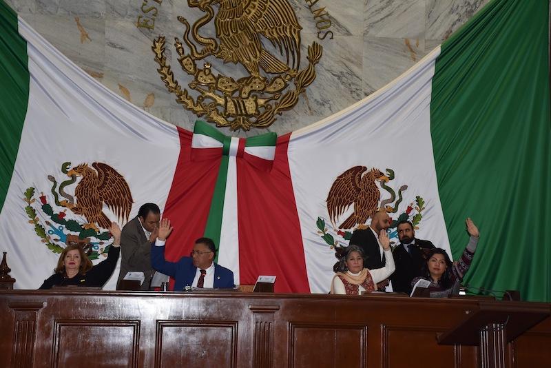 De esta manera, el Congreso Michoacano refrenda su compromiso por la construcción de un Estado más justo, más democrático y que garantice el acceso a una mejor calidad de vida para los michoacanos