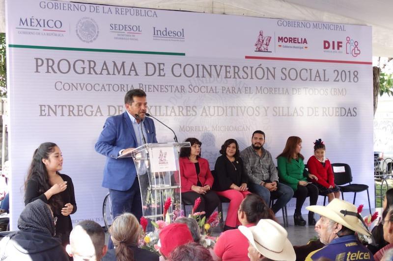 El titular de la Secretaría de Desarrollo Humano y Bienestar Social, Roberto Reyes Cosari, recordó que una de las encomiendas del Ayuntamiento es fortalecer las condiciones de vida de quienes padecen alguna discapacidad