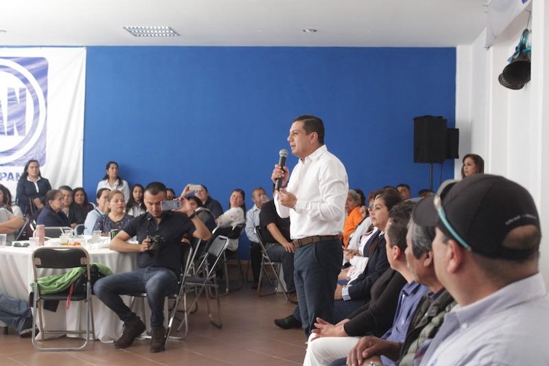 Óscar Escobar aseguró que en 15 días de campaña recorrió y diálogo con militantes de 55 municipios.