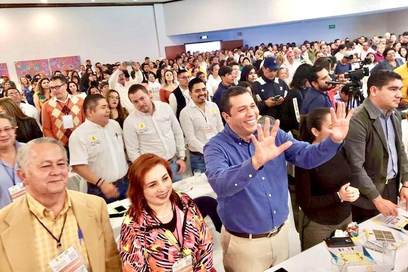 Juan Carlos Barragán fue enfático en que la postura que Silvano Aureoles ha fijado se debe respaldar por toda la militancia, ya que esta será crucial para la refundación