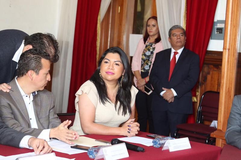 La diputada local, también hizo el llamado para que la determinación ya tomada por el ejecutivo federal no encuentre trabas en el estado y de esta manera se dé la descentralización del IMSS sin contratiempos en Michoacán