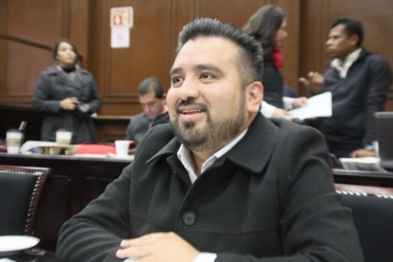 Juárez Blanquet propone reforzar los preceptos de la Ley Orgánica del Registro Civil del Estado y del Código Familiar para el Estado sobre el particular.