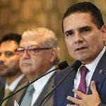 Silvano Aureoles manifestó que la próxima quincena del sector educativo ya debe ser pagada por la Federación y que de no ser así él está dispuesto a ser el primero en ir a la cabeza a movilizarse ante las instancias federales para exigir el cumplimiento de los pagos