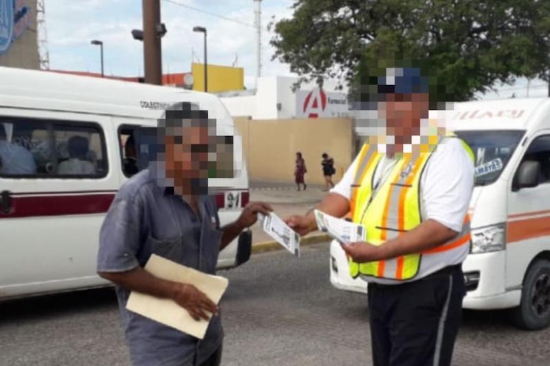 La Policía Michoacán a través de la Dirección de Tránsito y Movilidad impulsa la campaña en todo el territorio estatal donde entrega material informativo en los 10 distritos de la entidad