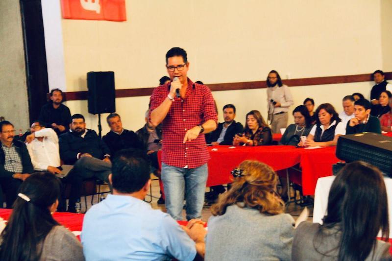 Pérez Negrón Ruiz señaló que, como Secretario de la Comisión de Puntos Constitucionales en la Cámara de Diputados del Congreso de la Unión, estará muy cerca de la gente para pedir su opinión referente a los temas que se debaten en torno a la vida pública del país