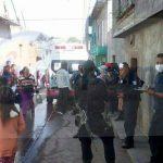 Paramédicos les brindaron las primeras atenciones a una persona del sexo masculino de 80 años y una femenina de 78 años de edad, los cuales fueron trasladados al Hospital Civil de Morelia para recibir atención médica