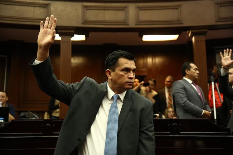Estrada Cárdenas reiteró que la decisión del gobernador Silvano Aureoles Conejo, de regresar el servicio educativo a la Federación, aligerará el déficit financiero que año con año provoca la nómina del magisterio