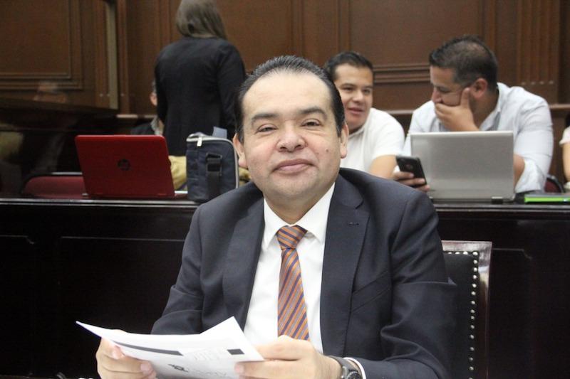 En tiempo y forma las comisiones unidas hemos cumplido con la revisión y elaboración de los dictámenes: Martínez Soto
