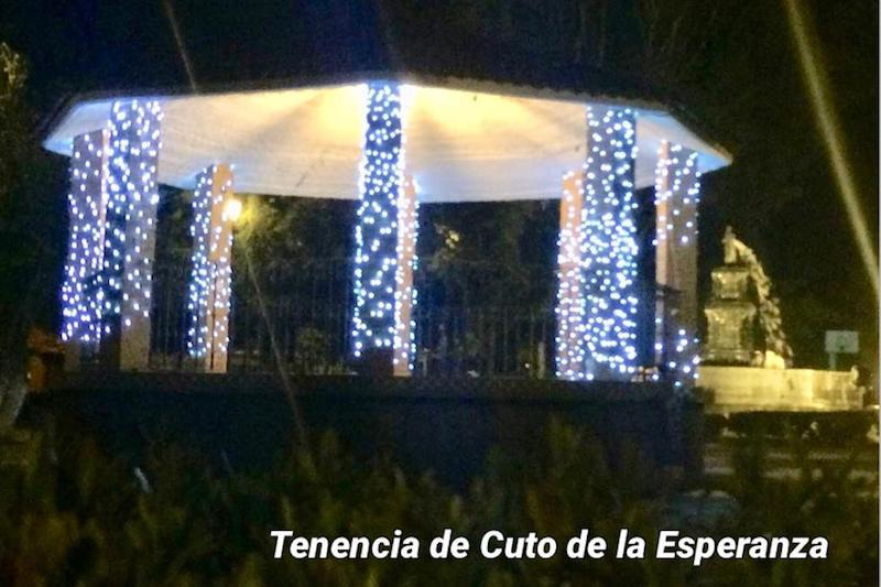 En cuanto a los avances hasta hoy, detalló que ya se ha colocado la iluminación navideña previamente existente en casi la totalidad de las 14 tenencias del municipio