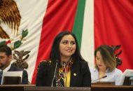 Saucedo Reyes destacó que los prestadores de servicios turísticos, desde el más modesto, hasta el empresario más prominente o la empresa más grande, tienen un papel muy importante en el desarrollo y crecimiento de la actividad turística de Michoacán