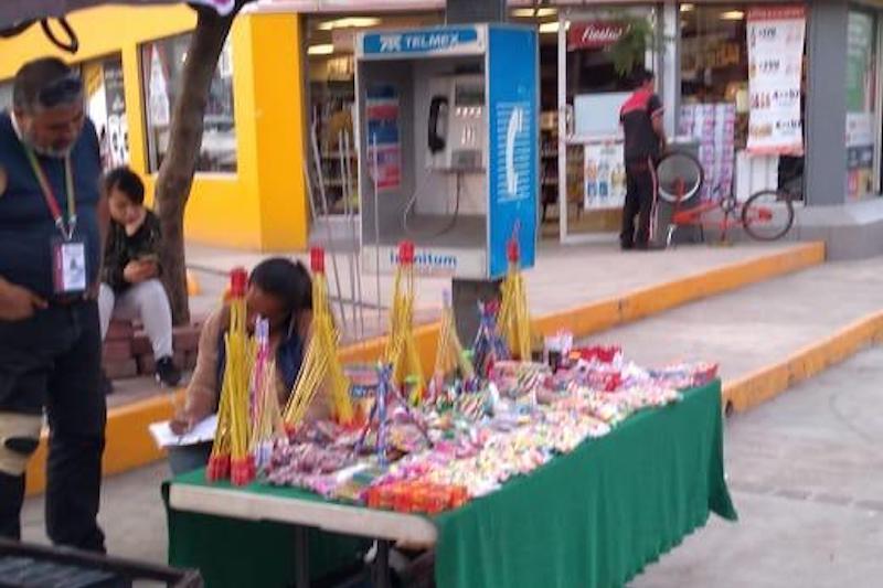 El titular de la referida instancia municipal, Ramón Baltierra Sánchez, informó para esta temporada de fin de año, es recurrente que algunas personas pongan a la venta productos que son prohibidos por representar un riesgo para las personas
