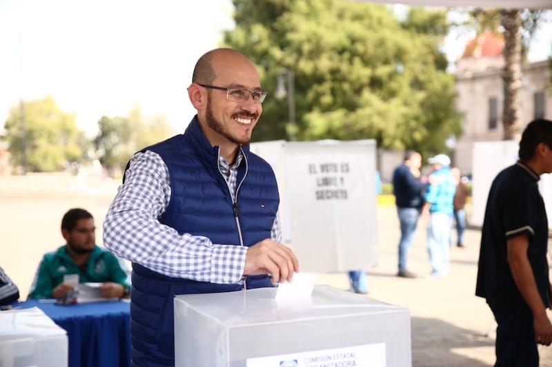 La Comisión Electoral Organizadora, presidida por Ana Vanessa Caratachea Sánchez, rindió declaración sobre la apertura de las casillas en los municipios del estado