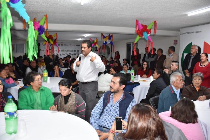 López García reconoció el trabajo que realizaron los líderes seccionales, así como los colonos en la pasada contienda electoral y agradeció su confianza depositada en el instituto político