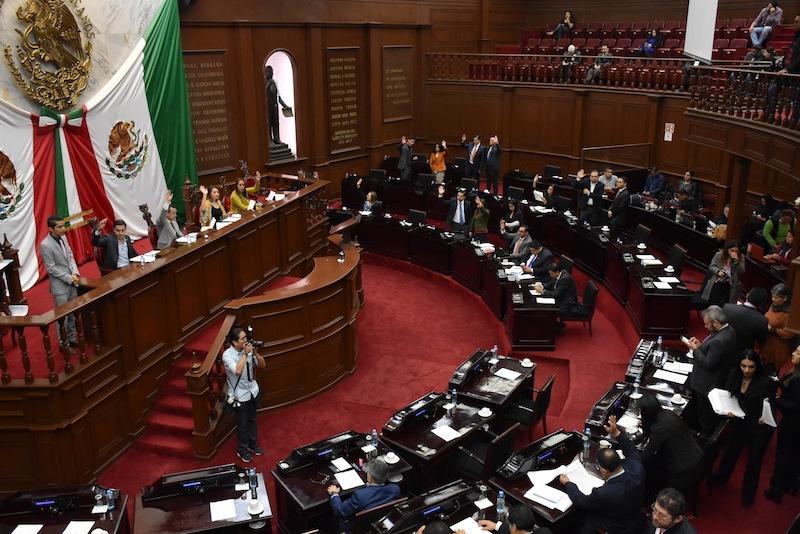 Las propuestas presentadas establecen un aumento del tres al cinco por ciento en cuotas y tarifas, respecto a las presentadas para el presente año y considerando la inflación proyectada para el 2019