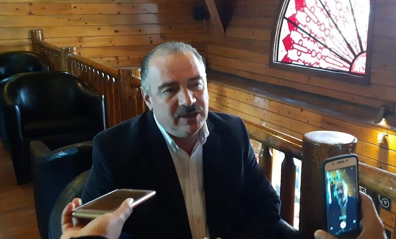 Sergio Benítez recalcó que su contrincante y hoy presidente electo del PAN a nivel estatal, Óscar Escobar Ledesma, no cumplió con la disposición de separarse de su cargo de diputado local antes de solicitar su registro