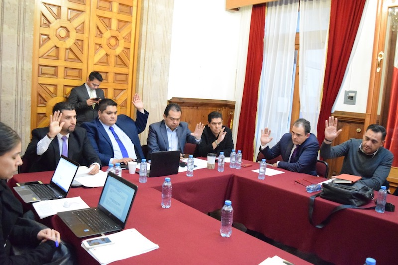 Los diputados que se presentaron a la reunión de manera puntual fueron Arturo Hernández Vázquez, Hugo Anaya Ávila, Norberto Antonio Martínez Soto, Octavio Ocampo Córdova y Baltazar Gaona García y el verdecologista Ernesto Núñez Aguilar