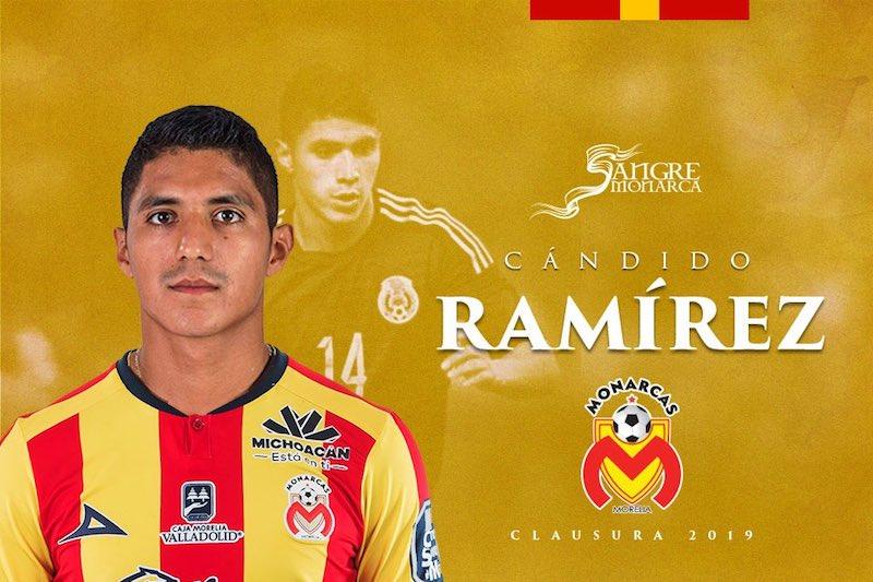 Fue parte también de la Selección Mexicana que jugó la Copa América Centenario 2016.