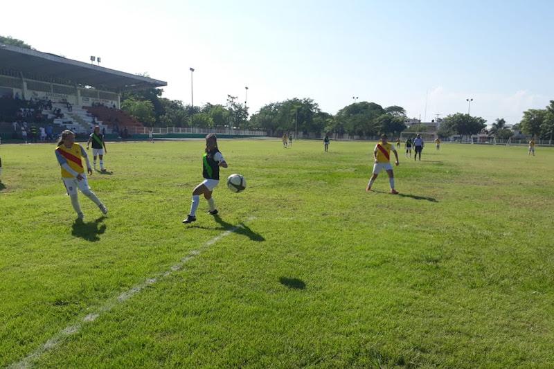 El director general del Cobaem, Gaspar Romero Campos, ratificó el compromiso que tiene la institución con los estudiantes, tanto en el ámbito académico como deportivo