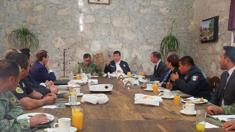 En el encuentro efectuado en las instalaciones de la XXI Zona Militar, se acordaron tareas en materia de operatividad, prevención del delito y proximidad social
