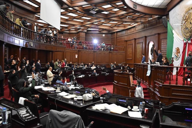 Los dictámenes fueron presentados por las Comisiones Unidas de Programación Presupuesto y Cuenta Pública y de Hacienda y Deuda Pública