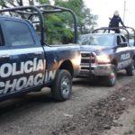 Al momento los elementos de la Policía Michoacán resguardan la vía para evitar que se reactive el bloqueo carretero
