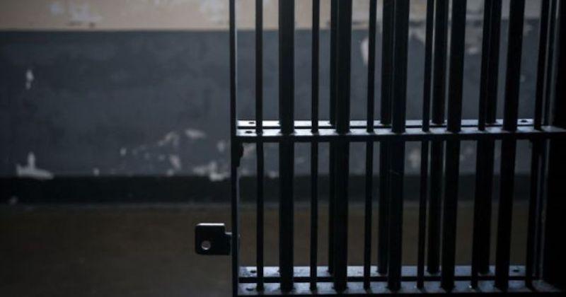 Tras su detención, el imputado fue presentado ante el juez de Control, a efecto de que sea resuelta su situación jurídica por su relación en el delito de homicidio calificado