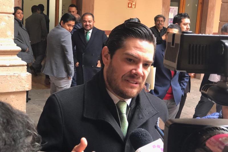 Con relación a la aprobación del Presupuesto de Egresos, Orihuela Estefan, reconoció que el reto por mejorar las finanzas estatales es muy grande, pero aseguró que es más grande la voluntad de quienes se sienten orgullosos de Michoacán