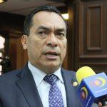 López Solís subrayó que Michoacán vuelve a ser castigado de manera injusta por el Gobierno Federal, primero con el recorte total de 33 programas y ahora con la suspensión en el abasto de combustible.