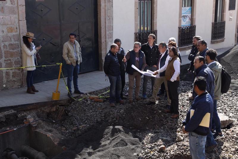 Morón Orozco encabezó un recorrido por cinco de las calles en donde se realizan obras en la zona del Centro Histórico