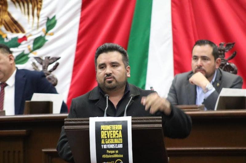 Erik Juárez dijo que si bien comparte y coincide en que debe combatirse el huachicoleo y la corrupción, también debe garantizarse que la estrategia implementada no afecte ni paralice a la sociedad y el desarrollo de los municipios y estados