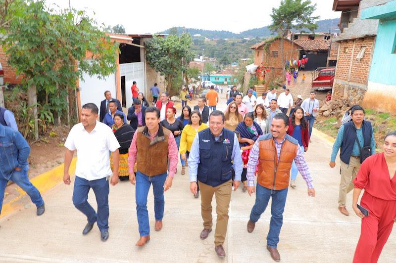 Barragán Vélez, mencionó que desde el gobierno del estado y la Sedesoh, Tangamandapio recibirá los apoyos de la dependencia que encabeza, con el fin de abonar al bienestar y desarrollo de esa población