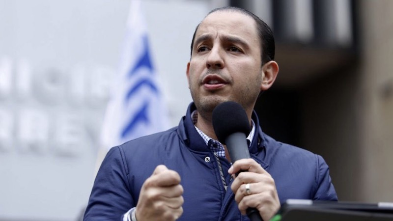 """""""Esta fuga duró más de cuatro horas, se pudo haber cerrado el ducto, se pudo mandar más fuerzas federales y acordonar el sitio y no se hizo"""", denunció Marko Cortés"""