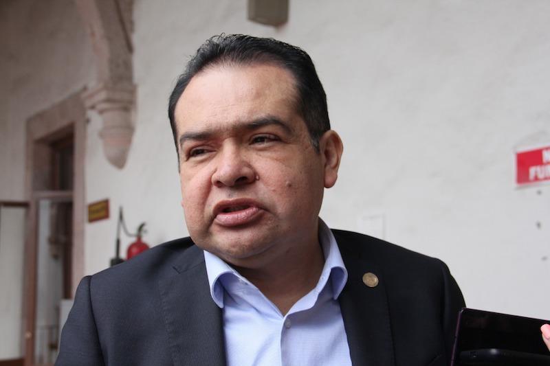 El legislador de extracción perredista señaló que la calificación de Michoacán en cuanto al avance contable sigue estando condicionada a los bajos índices de cumplimiento que aún registran los municipios del estado