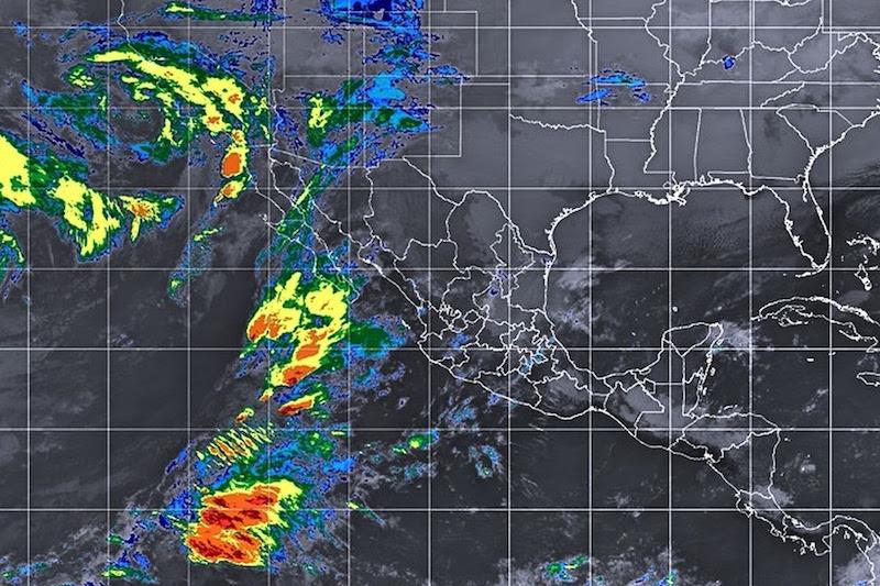 Para el caso específico de Michoacán, la masa de aire frío asociada, originará ambiente frío durante la mañana y noche, asimismo, el abundante ingreso de aire húmedo del Océano Pacífico podría originar lluvias
