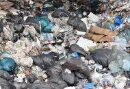 En caso de que los concesionarios de los servicios de limpieza no reciclen la basura y por lo tanto tengan que enviarla a los rellenos sanitarios para su disposición final, deberán pagar diez centavos por cada kilo de desperdicios que ingresen al espacio de disposición final de la basura