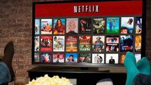 El ingreso adicional ayudará a Netflix a pagar su enorme inversión en programas y películas originales, y financiar la enorme deuda que ha adquirido para repeler a rivales como Amazon, Disney y AT&T