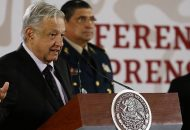 """""""No nos vamos a dilatar mucho, no estamos durmiendo, estamos trabajando para regresar a la normalidad lo más pronto posible"""", expresó López Obrador"""