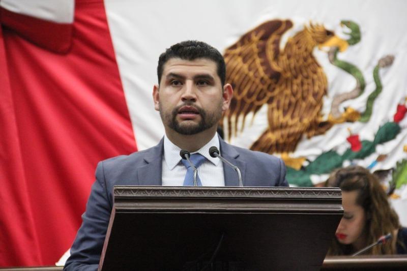 Octavio Ocampo refirió que esta medida es clara y tiene la finalidad de apoyar la economía y el impulso a los sectores productivos, aunado a las acciones que el gobierno estatal realiza para atender el problema del desabasto