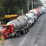 Por la inseguridad y los sueldos, conductores de tractocamiones mexicanos se están yendo a trabajar a Estados Unidos, advierte González Muñoz