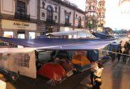 Las manifestaciones se dan en el contexto del anuncio desde noviembre del año pasado de que el gobierno estatal de Silvano Aureoles anunció el regreso de la nómina educativa a la Federación