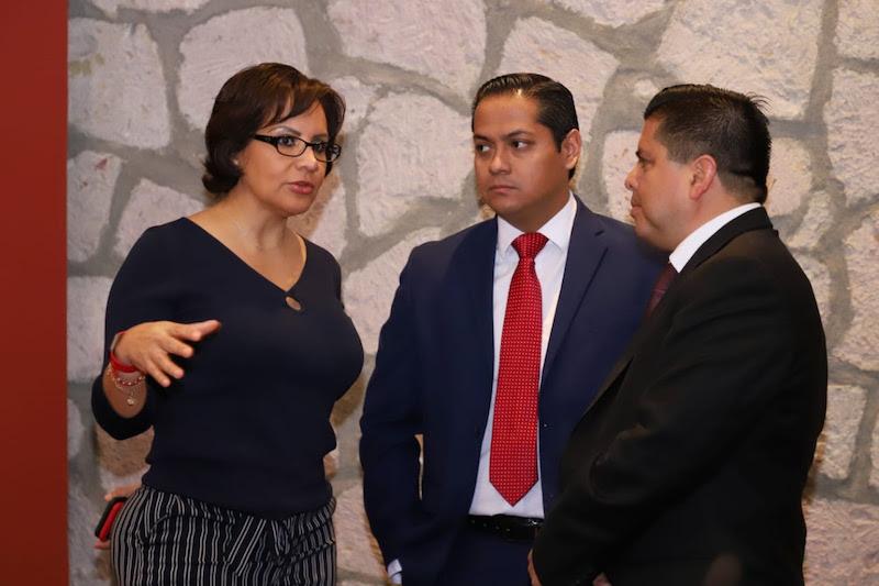 La secretaria de Salud, Diana Carpio Ríos, y el coordinador de Programas Federales para Michoacán, Roberto Pantoja Arzola, coincidieron en que los beneficiarios deberán cumplir con los requerimientos y no aparecer en distintos listados de apoyos gubernamentales