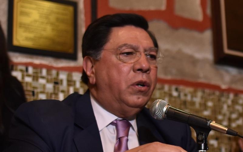 Reyna García desistió de opinar acerca de las versiones según las cuales fue traicionado por el también ex gobernador Fausto Vallejo