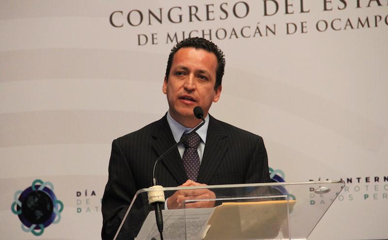 Salas Valencia reconoció la urgencia de que todas las instituciones y los funcionarios, se comprometan en transparentar toda aquella información de interés público