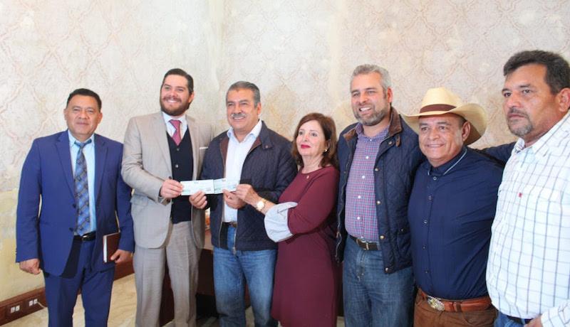 A propuesta del legislador de Morena por el Distrito 10 de Morelia Noroeste, Fermín Bernabé Bahena, el apoyo consiste en 420 mil pesos y fue aprobado para apoyar a los ciudadanos que resultaron afectados por el huracán Willa